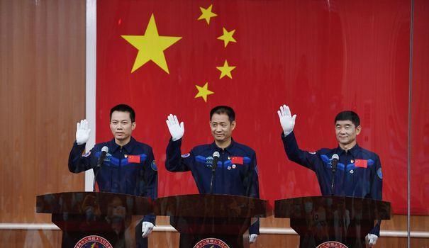 Chine: les astronautes décolleront jeudi pour leur station spatiale